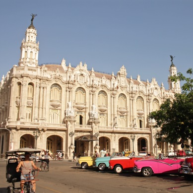 Gran Teatro Habana with classic cars in front
