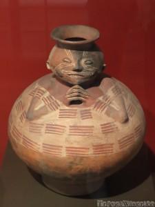 Pre-Colombian vase, Casa del Alabado Quito