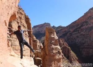 Guide on the ledge to Abuna Yemata Guh